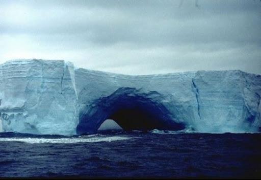 دراسات تثبت تتوصل  أن المحيط يمتص مادة الكربون الناتجة عن الحرائق