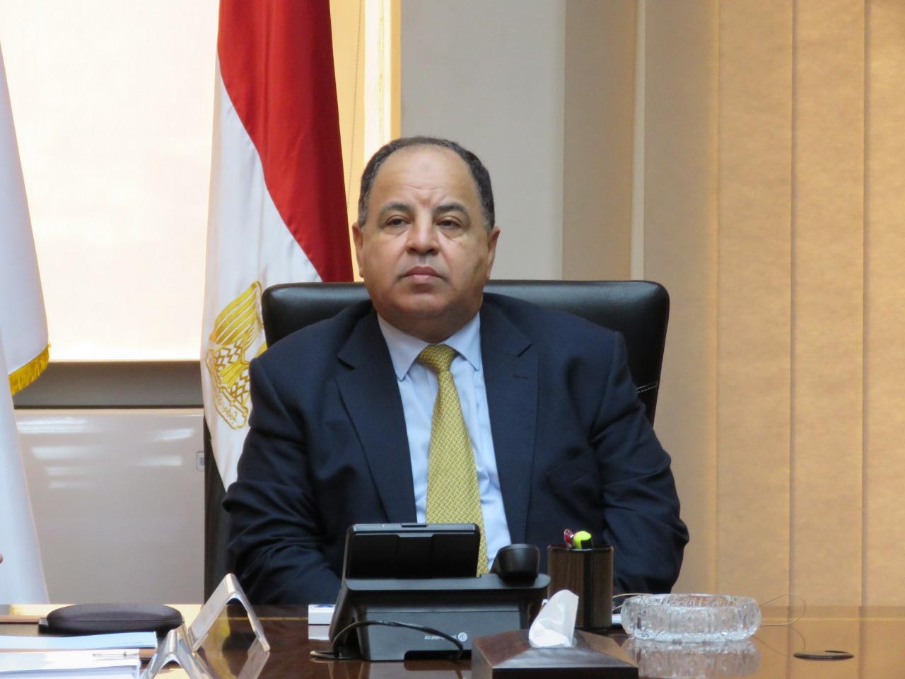الرئيس السيسي يكلف الحكومة بوضع كافة الإمكانات المصرية تحت أمر السودان